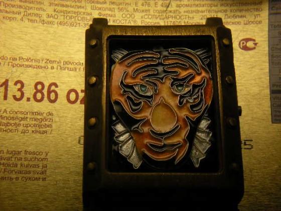 Lion - enamel cloisonne watch dials. Wykonał Leszek Kralka